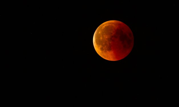 """Y la Luna… """"se bañará de sangre"""""""