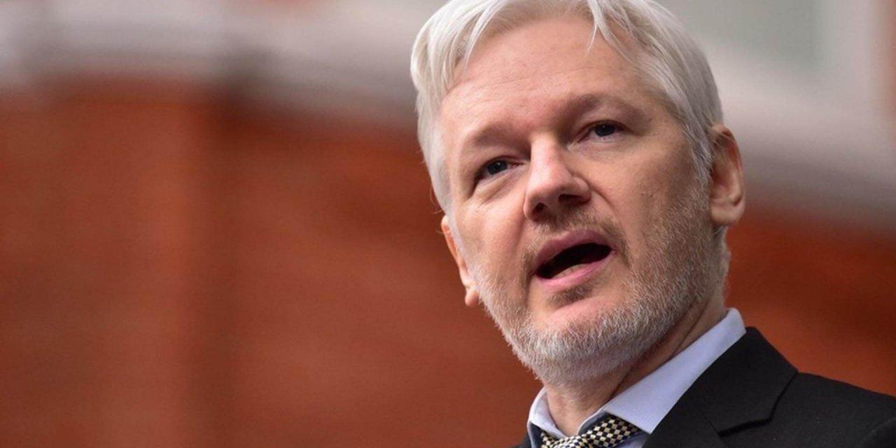 Julian Assange: ¿Héroe o Villano?