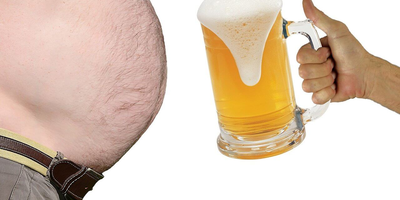 La ciencia confirma que los hombres con barriga de cerveza son mejores en la cama
